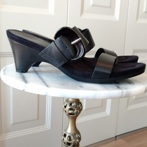 Bandolino Black Strappy Heels